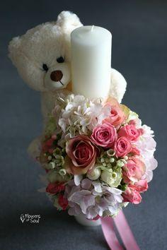 Lumânare de botez cu ursuleț și decor pentru cristelniță – Flowers of Soul Bird Houses, Candle Holders, Table Decorations, Flowers, Handmade, Crafts, Home Decor, Baby, Giant Paper Flowers