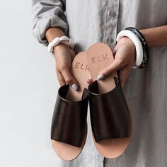 Boutique Shop, Sandals, Shopping, Shoes, Accessories, Fashion, Moda, Shoes Sandals, Zapatos