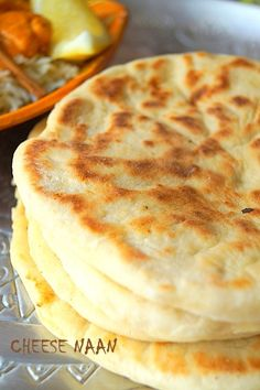 Cheese naan (Indian bread with cheese) · To the delights of the palate - Cheese naan Indian cheese bread (easy recipe) Another delicious recipe from Indian cuisine, after th - Healthy Crockpot Recipes, Vegetarian Recipes, Cooking Recipes, Indian Cheese, Indian Food Recipes, Ethnic Recipes, Deviled Eggs Recipe, Cheese Bread, Empanadas