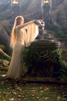 Galadriel, Lady of Lothlorien (Cate Blanchett in the Lord of the Rings: Fellowship of the Ring) pinned Legolas, Tauriel, Thranduil, Gandalf, Jrr Tolkien, Fellowship Of The Ring, Lord Of The Rings, Cate Blanchett, Sombra Lunar