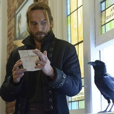 This crow apparently was very friendly with Tom during filming lol