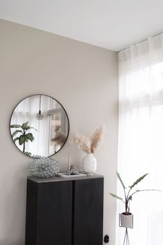 Den perfekta nyansen av Greige The perfect shade of Greige – Susan Törnqvist Style At Home, Living Room Decor, Bedroom Decor, Ikea, House Doctor, Beige Walls, Plywood Furniture, Living Room Inspiration, Colorful Interiors