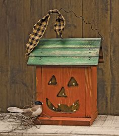 New Pumpkin Birdhouse is hand crafted in the USA. Available at KP Creek Gifts.