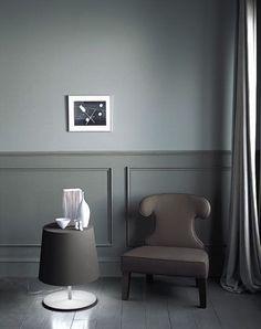 Living room colors with dark furniture wainscoting 16 Ideas Painted Wainscoting, Wainscoting Styles, Wainscoting Hallway, Dark Furniture, Modern Furniture, Bedroom Furniture, Furniture Ideas, Grey And Gold Bedroom, Interior Door
