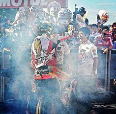 Motegi 16'. WORLD CHAMPION 2016 #GiveMe5. FP1 (2p), FP2 (4p), FP3 (1p), FP4 (1p), Q2 (2p), Warm Up (1p) y Carrera (1p) #MarcMarquez #Honda #Repsol #MotoGP #Hormiga #93