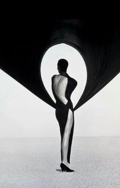 versace-veiled-dress