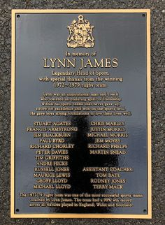 Cast bronze plaques from The Sign Maker. All our cast bronze plaques are cast in the traditional way. However we can now also offer a smooth background which looks fantastic especially on the larger plaques.