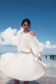 Bambi Northwood-Blyth for Bergdorf Goodman Resort 2012 photographed by Cass Bird – I love that pleated dress! Fashion Beauty, Girl Fashion, Fashion Outfits, Fashion Design, Fashion Story, Latest Fashion, Fashion Tips, White Flowy Dress, Thing 1