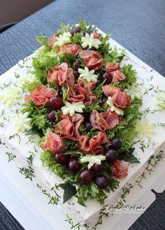 Kakkupuoti MariAnnika: elokuuta 2012 Veggie Quinoa Bowl, Sandwich Cake, Food Garnishes, Salty Cake, Swedish Recipes, Food Platters, Food Decoration, Fruit And Veg, Savoury Cake