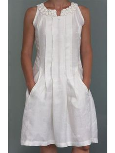 Solid Casual V Neck Cotton Dresses - With a clever combination of v-neck and sleeveless, this cotton dress is suitable for casual occasion in summer. Linen Dresses elegant,Linen Dresses outfit,Linen Dresses for women Source by - Linen Dresses, Cotton Dresses, Maxi Dresses, Fashion Dresses, The Dress, Dress Skirt, Elegant Dresses, Casual Dresses, Formal Dresses