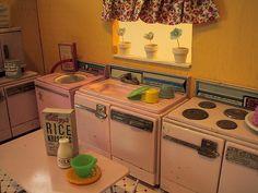 pink dollhouse kitchen