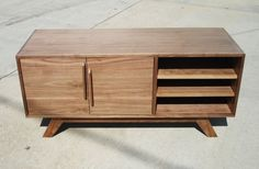 Tv Console Modern, Mid-century Modern, Tv Stand Kitchen, Industrial Tv Stand, Tv Stand Cabinet, Record Cabinet, Diy Tv Stand, Cool House Designs, Credenza