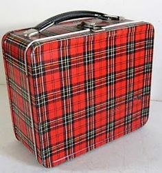 Vintage ohio art plaid lunch box-This is the lunchbox I had in elementary school! It came with a matching thermos. Vintage Lunch Boxes, Vintage Tins, Vintage Love, Vintage Stuff, Vintage Picnic, Vintage Metal, Vintage Kitchen, Vintage Decor, Lunch Box Notes