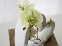 Ringkissen - Ringkissen Hochzeit zum stellen weiß grün - ein Designerstück von Meissner-Floristik bei DaWanda