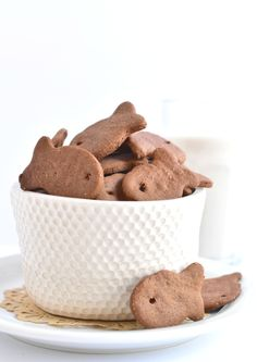 Cara's chocolate goldfish cookies are almost too cute to eat. ALMOST.  via @forkandbeans