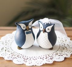 US Navy Military Wedding Cake Toppers Navy Military Weddings, Military Wedding Cakes, Owl Cake Toppers, Wedding Cake Toppers, Owl Parties, Owl Cakes, Sesame Street Party, Here Comes The Bride, Wedding Decorations
