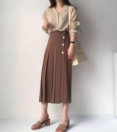 Modest Fashion, Skirt Fashion, Hijab Fashion, Fashion Dresses, Classy Outfits, Pretty Outfits, Cool Outfits, Casual Outfits, Fashion Tips For Women