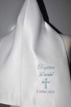 écharpe/étole de baptême bébé/enfant croix personnalisée brodée bleu argenté garçon ou fille : Mode Bébé par lbm-creation