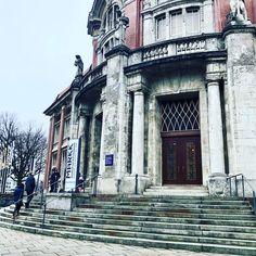 MARKK - Museum am Rothenbaum, Hamburg - Kindertour. Bali, Museum, Louvre, Building, Hamburg, Sailing, Temples, Buildings, Museums