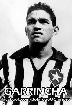 Eis que surge na década de 50 no Botafogo, um jovem de pernas tortas que gostava de caçar passarinhos. Garrincha Mais do que um atacante espetacular, era um verdadeiro espetáculo vê-lo deslizar pela ponta direita, demolindo todos aqueles que tentavam pará-lo. Era símbolo maior do futebol moleque, irreverente, de cruzamentos precisos e muita ingenuidade.