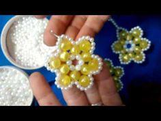como hacer flor con perlas - YouTube