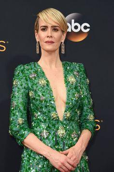 Zoom Sur Toutes les Élégantes Mises en Beauté des Emmy Awards Sarah Paulson