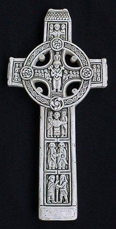 The famous 9th century Celtic cross of King Flann, High King of Ireland, depicts St. Columba between two angels, the Last Judgement, Christ with Peter and Paul and the founding of the monastery with St. Ciaran and King Dermot.