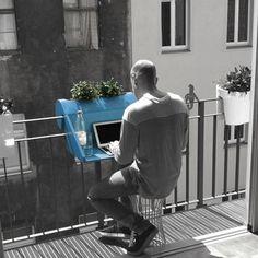 excelente alternativa para #trabajar aprovechando el espacio de tu #balcón
