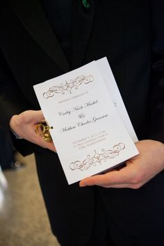 Classic and elegant wedding programs.  Photo by Leslie Gilbert Photography Pinned from www.dreamweddingspa.com