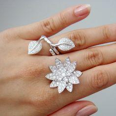 Van Cleef lotus ring