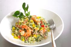 Prawn and ham rice salad. A #recipe to impress your guests. Check it on our website. | Olive Oils from Spain