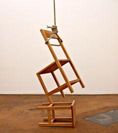 """Philippe Ramette """"Le suicide des objets"""""""