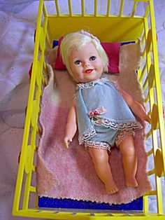 Suzy Cute doll and bed Z