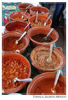 De que quiere su gordita .... Cazuelas de guisados, Mexico.