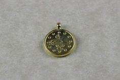 Fornitura - Colgante moneda 1,5x1 cm.  (anilla superior).chapado en oro mate de 22k para usar en joyería y alta bisuteria.
