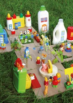 Recycle old plastic containers by turning them into a fun play village for kids! Recycled Art Projects, Recycled Crafts, Projects For Kids, Diy For Kids, Diy And Crafts, Crafts For Kids, Plastic Container Crafts, Plastic Bottle Crafts, Plastic Containers