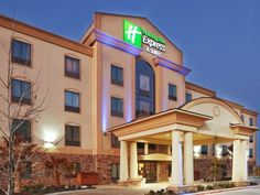 Denton (TX) Holiday Inn Express Hotel & Suites Denton United States, North America Located in Rayzor Ranch, Holiday Inn Express Hotel & Suites Denton is a perfect starting point from which to explore Denton (TX). Both business travelers and tourists can enjoy the hotel's facilities and services. All the necessary facilities, including free Wi-Fi in all rooms, 24-hour front desk, facilities for disabled guests, express check-in/check-out, meeting facilities, are at hand. Each g...