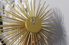 Add pop tab as hanger for your sea urchin Wall Decor Crafts, Diy Home Crafts, Diy Wall Art, Diy Art, Diy Room Decor, Gold Sunburst Mirror, Homemade Home Decor, Wall Accessories, Sea Urchin