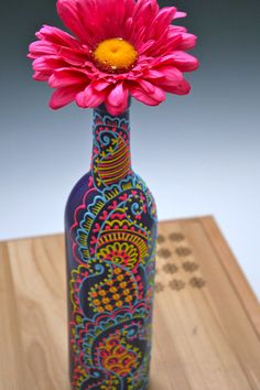 Hand Painted Wine bottle Vase Purple with blue by LucentJane - Crafts For The Times Wine Bottle Vases, Painted Wine Bottles, Diy Bottle, Wine Bottle Crafts, Glass Bottles, Diy Arts And Crafts, Diy Crafts, Garrafa Diy, Altered Bottles