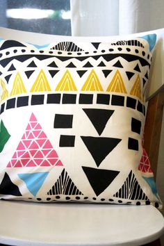 mixed geometrics pillow (trend spotting - graphic patterns and geometric designs, home decor ideas and trends) Graphic Patterns, Print Patterns, Throw Pillow Covers, Throw Pillows, Pillow Cases, Cute Pillows, Pillow Fight, Geometric Designs, Geometric Patterns