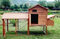 The Bantam - Chicken Coop - Quality tongue and groove Construction! - Heavy duty galvanized wire - Hinged Door for easy access for Cleaning, Refilling Food and Water - Large side located Nesting Box -