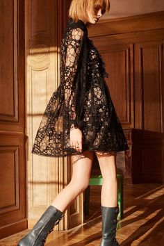 Fashion 2017, Fashion Show, Chloe, Collar Dress, Dress Collection, Floral Lace, Ruffles, Lace Dress, Celebrity Style