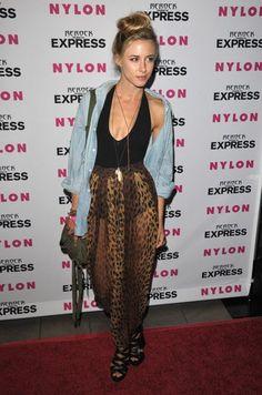Love her Style!!! ❤️ Gillian Zinser