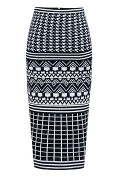 Why wear boring clothes to work when you can spice it up with some prints and still look modest? This piece would look great with a silk t-shirt top tucked in. Short Skirts, Diva Fashion, Skirt Fashion, City Stroller, Silk T Shirt, Knitted Skirt, Dress Skirt, Geo