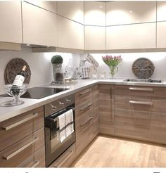 Modular Kitchen area' a term used for the contemporary kitchen design, which consists of variety of closets to hold different points in different areas. Kitchen Room Design, Kitchen Cabinet Design, Kitchen Sets, Modern Kitchen Design, Home Decor Kitchen, Interior Design Kitchen, Kitchen Furniture, New Kitchen, Home Kitchens