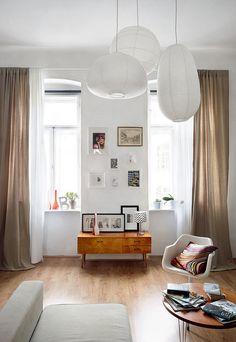 trio_paper_lamps | Flickr: Intercambio de fotos Flat Interior, Interior Exterior, Home Interior Design, Interior Architecture, Ikea Paper Lantern, Paper Lamps, Home Living Room, Living Spaces, Interiores Design