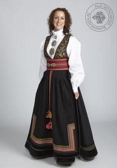 Beltestakk fra Telemark - BunadRosen AS Mode Hijab, Historical Costume, Traditional Outfits, Culture, Costumes, Folklore, Vikings, Fashion Design, Gems