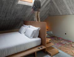 Armazém Luxury Housing / Pedra Líquida
