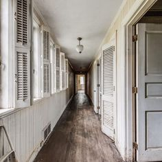 """3711 Maloney Rd, Knoxville, TN -- Is it weird to have a crush on a hallway? Thanks for this amazing house, @haywood_home - I live in a house from the forties, and I'm smitten with everything about this era! (especially the charming architecture) On 3.6 acres and listed for $425,000. """"Listed below May 2018 appraisal. This is a cash only purchase. This home is solid! Home has basement w/3ft concrete walls & 1st floor flooring. Built in 1940,w/architects Barber & McMurray, area previously…"""
