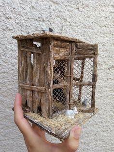 Dollhouse Miniature Tutorials, Miniature Rooms, Miniature Crafts, Miniature Houses, Dollhouse Miniatures, Bunny Book, Recycled Garden Art, Mini Doll House, Christmas Nativity Scene